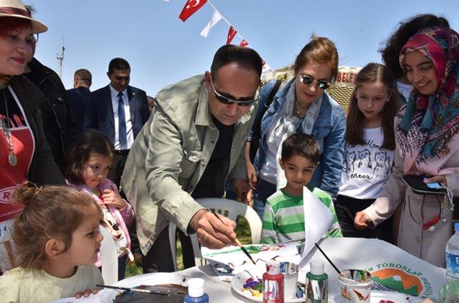 Başkan Yılmaz, 23 Nisan'da Çocukları Sevindirdi