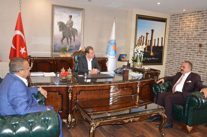 ASKON Mersin Şube Başkanı Hasan Arslan Belediye Başkanı Vahap Seçer'i Ziyaret Etti