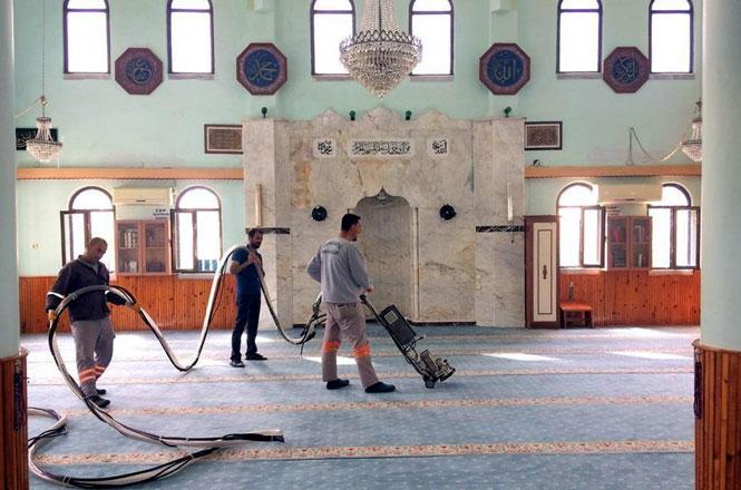 Akdeniz Belediyesi'nin İbadethane ve Okullara Desteği Sürüyor