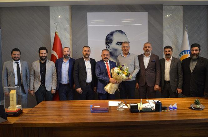 ASKON Mersin Şube Başkanı Hasan Arslan Mezitli Belediye Başkanı Neşet Tarhan'ı Ziyaret etti