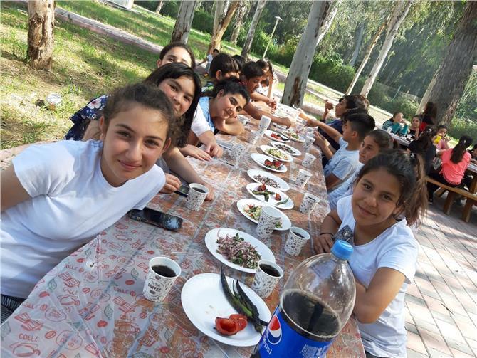 Tarsus Şehit Sabri Acem Ortaokulu ''Yaza Merhaba Kampı'' İle Doyasıya Eğlendi