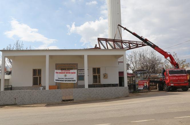 Erdemli Belediyesi, Arslanlı Köyü Camii Eski Çatısını Yeniledi