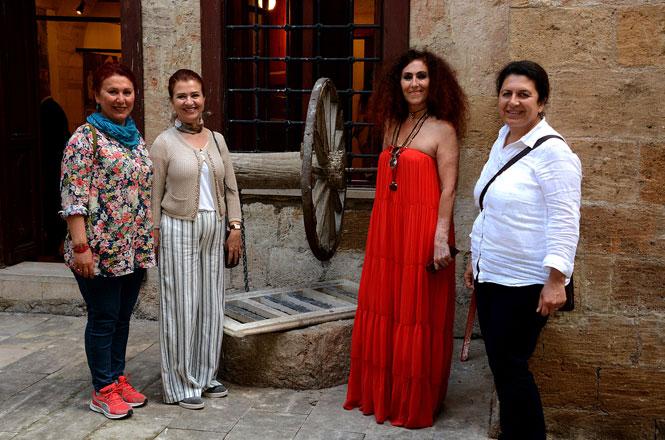Tarihi Gülnar Oteli Sanata Kapılarını Açtı