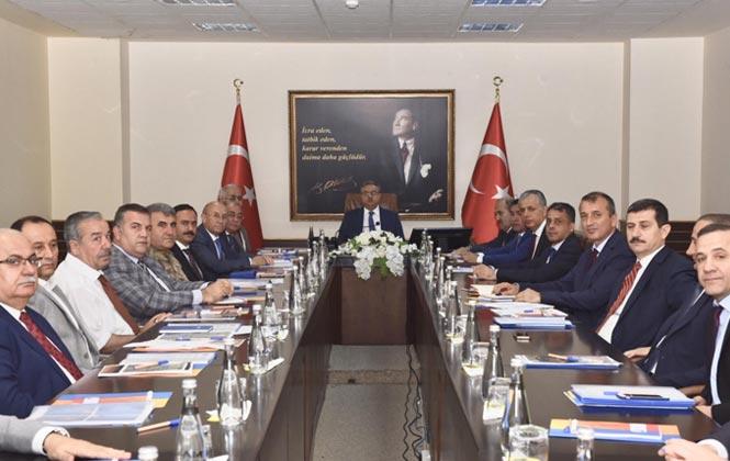 Mersin'de Önce Yaya Uygulaması Konulu Toplantı