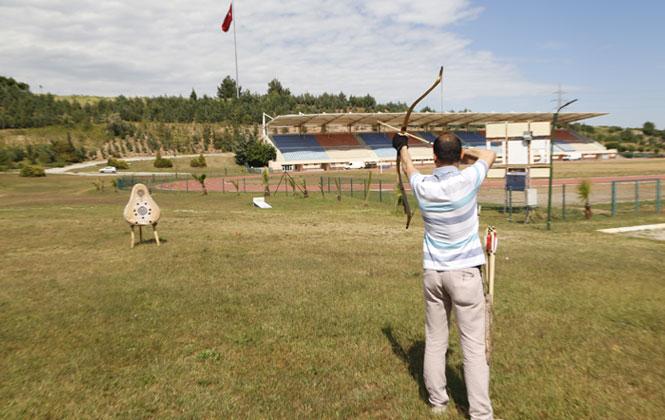 Ümit Karadiken Dünyanın En Büyük Geleneksel Uluslar Arası Okçuluk Turnuvası'na Katılmaya Hak Kazandı