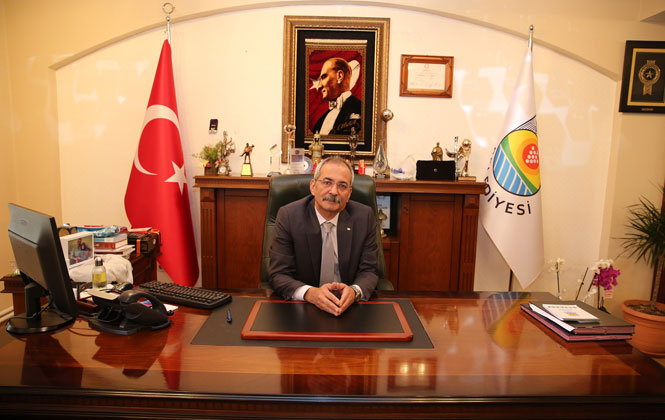 """Başkan Bozdoğan """"19 Mayıs Atatürk'ü Anma, Gençlik ve Spor Bayramı Kutlu Olsun"""""""
