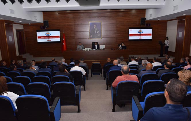 Vali Su, Bağımlılık ile Mücadele İl Koordinasyon Kurulu Toplantısına Başkanlık Etti