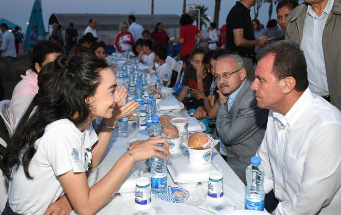 19 Mayıs'ta Gençlerle Mersin'de İftar, Gençlik Bayramı'nda Gençlerin Sofrasında