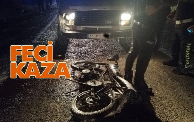 Mersin Tarsus'ta Trafik Kazası: Pikap, Motosikletli Yayalara Çarptı 1 Ölü, 1 Yaralı