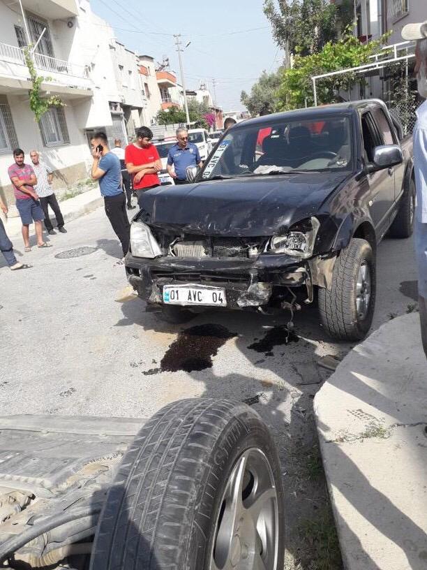 Tarsus Kent Merkezinde Kaza, İçinde Öğrencilerin Bulunduğu Araç Kaza Yaptı; 6 Yaralı