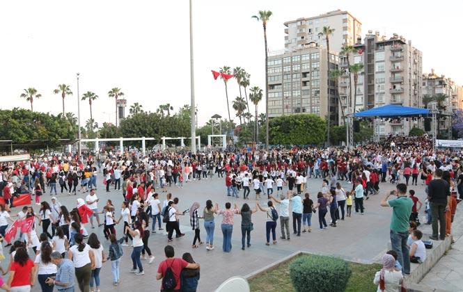 Belediye 19 Mayıs'ta Dünya'ya Açıldı