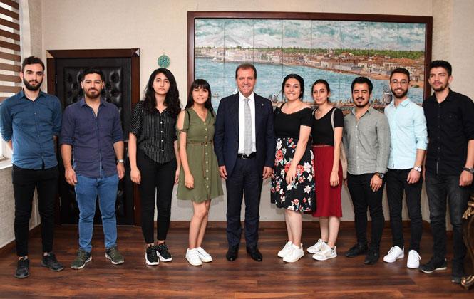 Gençlerden Başkan Seçer'e İadeyi Ziyaret