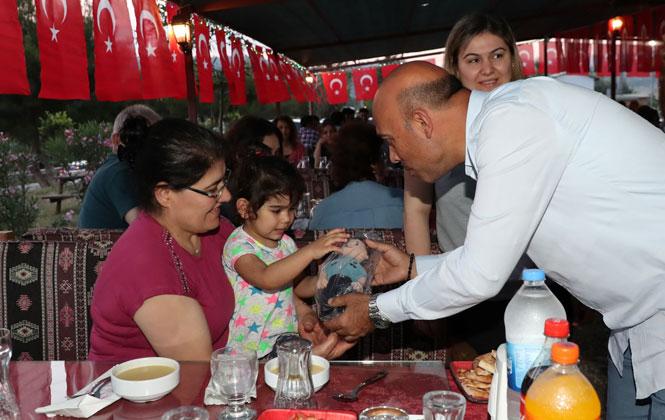 Emniyetin Düzenlediği İftar Yemeğinde, Şehit ve Gazi Aileleri Bir Araya Geldi