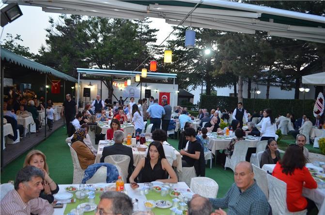 Ankara'da Tarsusluları Buluşturan TADER'in Geleneksel 4. İftar Yemeğine İlgi ve Katılım Yoğun Oldu
