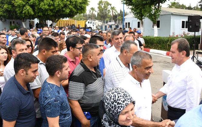 Başkan Seçer Büyükşehir ve MESKİ Personeli İle Bayramlaştı