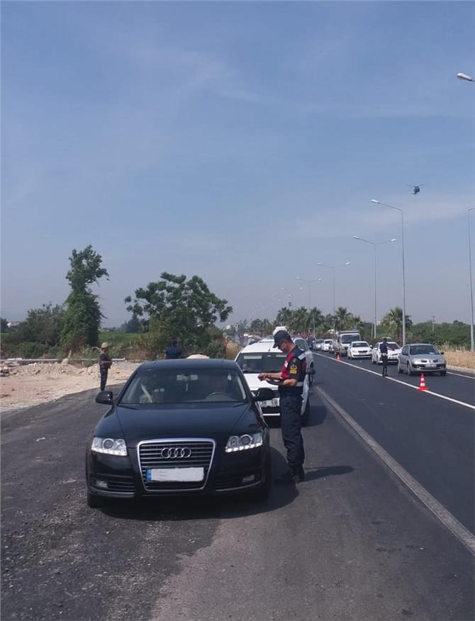 Mersin'de Jandarma'dan Bayram Trafiğine Helikopterle Havadan Denetim