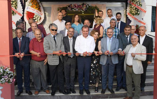 Başkan Seçer, Tarsus'ta Özel Bir Okulun Açılışına Katıldı