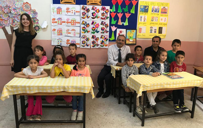 Tarsus Belediye Başkanı ve Yardımcıları Öğrencilerin Karne Heyecanına Ortak Oldu.