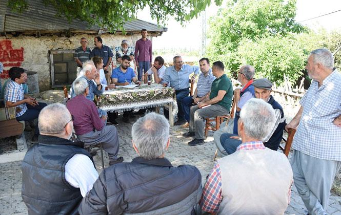 Tarsus Belediye Başkanı Dr. Haluk Bozdoğan, Beraberindeki Belediyedeki Yöneticilerden Oluşan Heyetle 10 Günde 100 Köy Gezdi