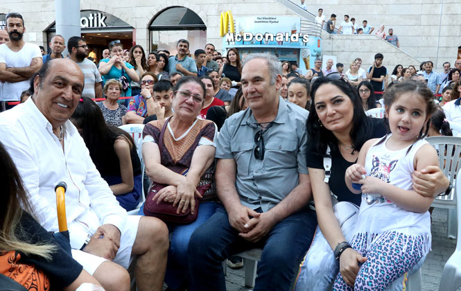 Mersin'e Gelen Hababam Sınıfı Oyuncuları Kente'e Hayran Kaldı