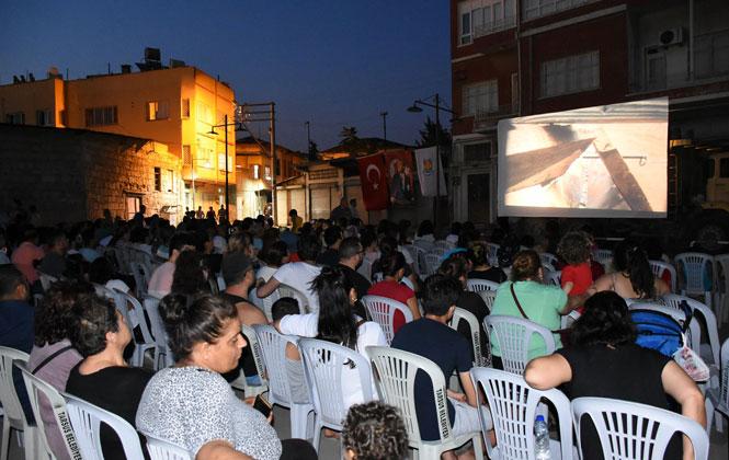 Nostaljik Açık Hava Sinemasına Yoğun İlgi! Nostalji Sinema Günleri Programı (Mahalle ve Tarihleri)