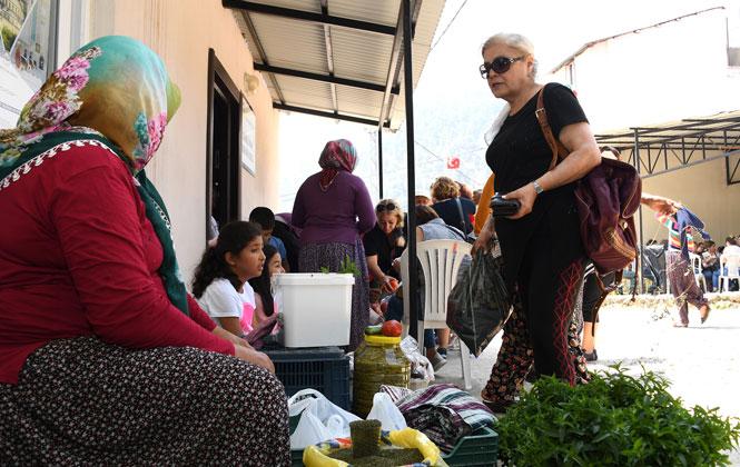 Kırsal Mahalle Buluşmaları'nın 4. Adresi Üzümlü Mahallesinde İdi! Üzümlü Mahallesi Kadınları Hünerlerini Sergiledi
