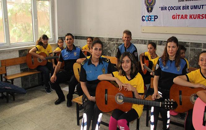 Polislerden Gitar ve Keman Kursu