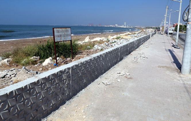 Karaduvar Sahili Baştan Sona Değişiyor! Mahalle Sakinleri, Özledikleri Hizmetlere Kavuşuyor