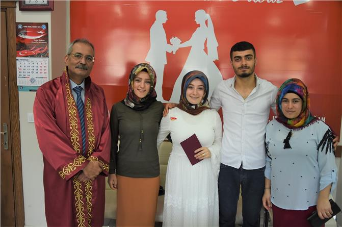 Tarsus Belediye Başkanı Bozdoğan, İlk Nikâhını Kıydı