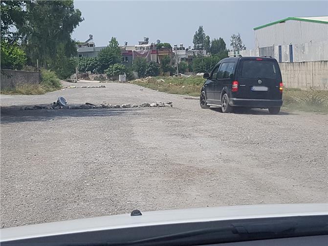 Mersin Tarsus'ta Asfaltlanmayan Yol Vatandaşı Çileden Çıkarıyor