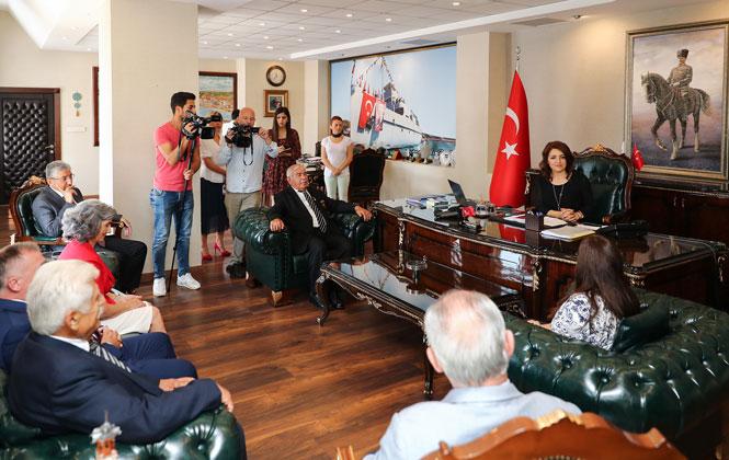 KKTC Heyetinden Büyükşehir'e Barış Harekatı Ziyareti! Başkan Vekili Gülcan Kış, Kıbrıs Heyetini Ağırladı