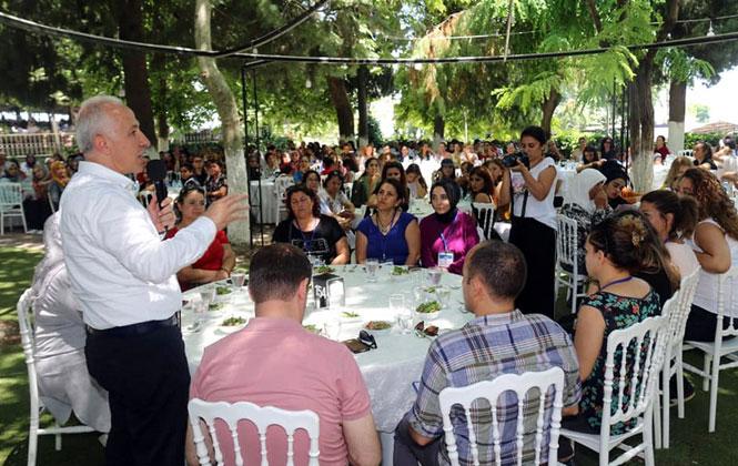 Akdeniz Belediye Başkanı Gültak, Hafta Sonu Mahalleleri Ziyaret Etti; Vatandaşlar, Muhtarlar ve Esnaflarla Bir Araya Geldi