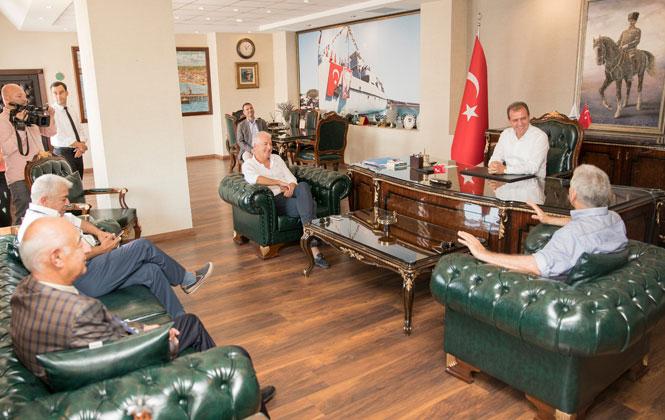 """Mersin'e Portatif Havuz Projesi Geliyor, Başkan Vahap Seçer: """"Mersin'in İkinci Bir Limana İhtiyacı Var"""""""