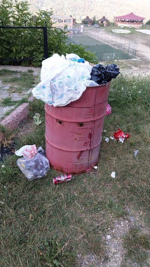 Mersin Çamlıyayla'da Çöplerin Zamanında Toplanmaması Tepkilere Neden Oluytor