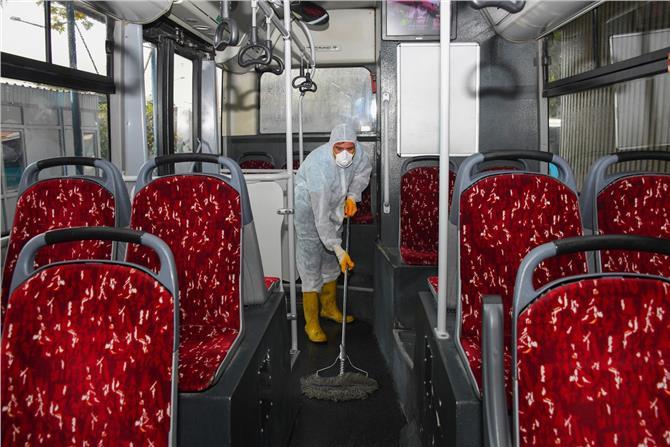 Belediye Otobüslerinde Bayram Temizliği