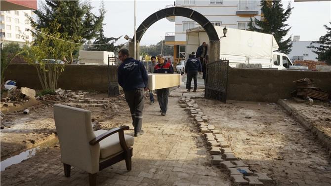 Mezitli Belediyesi Yardımseverle İhtiyaç Sahibi Arasında Köprü Oluyor