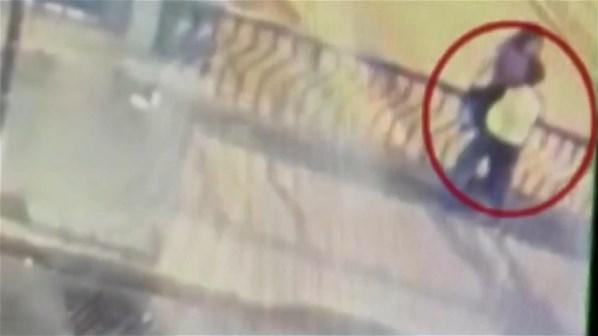 Korkuluklara Yaslanıp Öpüşen Çift Köprüden Düşüp Öldü
