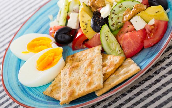 Etin Yanında Mutlaka Salata Tüketin! Bayramda Formunuzu Korumanın 6 Püf Noktası