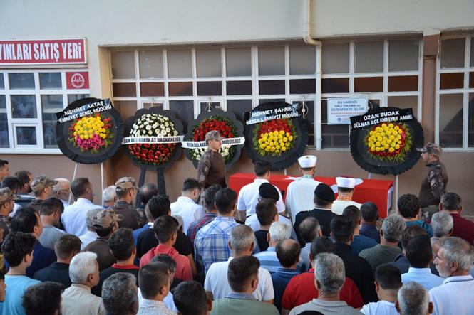 Şehit Polis Memuru Özcan Şahin Son Yolculuğuna Uğurlandı