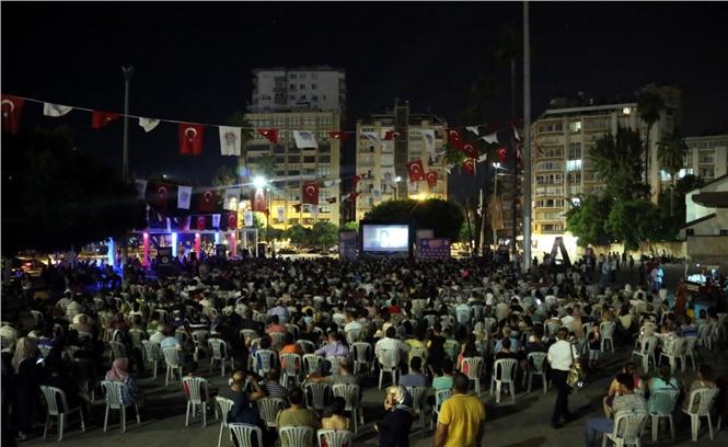 Mersin'de Yazlık Sinema Kültürü Yeniden Canlandı