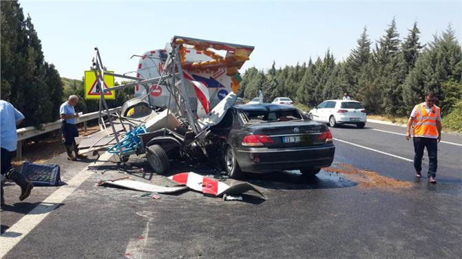Tarsus Mersin Otoyolunda FECİ KAZA! Kazada, Lüks Otomobil Sulama Tankerine Arkadan Çarptı