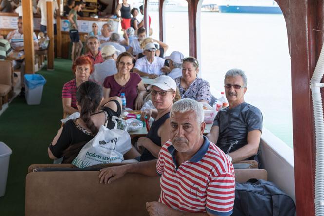 Emekliler Mersin Büyükşehir İle Eve Bağımlı Kalmıyor! 150 Emekli ''İkinci Bahar'' Mavi Turda