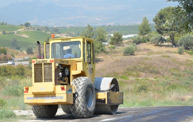 Tarsus'ta Hummalı Yol Çalışması! İlçeye Bağlı Mahalle Yollarında Islah ve Onarım Çalışmalarını Sürdürüyor