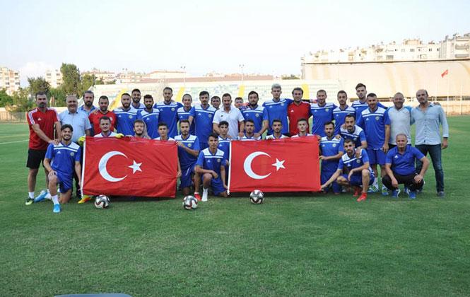 Tarsus İdmanyurdu Zafer Bayramı'nı Bayrak Açarak Kutladı