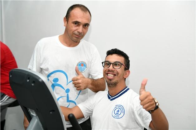 Cerebral Palsy Hastası Furkan Artık Daha Mutlu, Spor ve Fitness Kursuyla Artık Daha Kolay Yürüyor