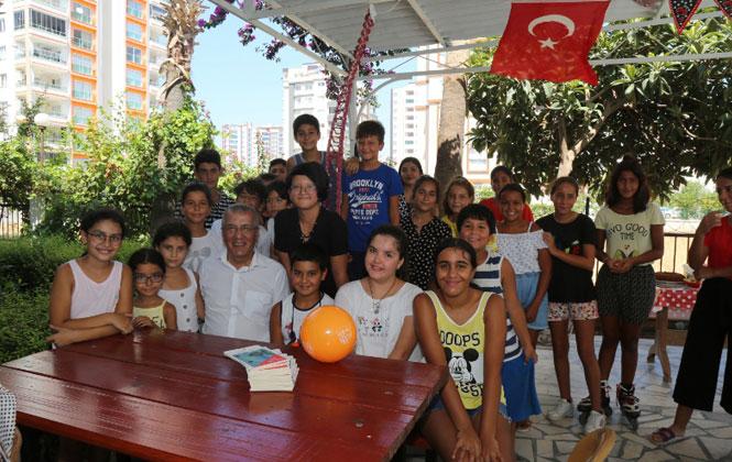 Mezitli Belediye Başkanı Neşet Tarhan'dan Doğum Günü Sürprizi