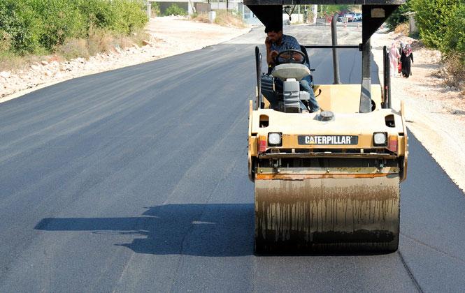 Mezitli, Dört Koldan Asfaltlanıyor! Önemli Caddelerinde Başlatılan Asfalt Çalışmaları Tamamlandı