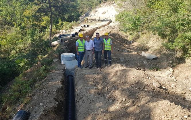 Çamlıyayla'da Sorun Yaşanan Bölgeye MESKİ Kanalizasyon Borusu Döşedi