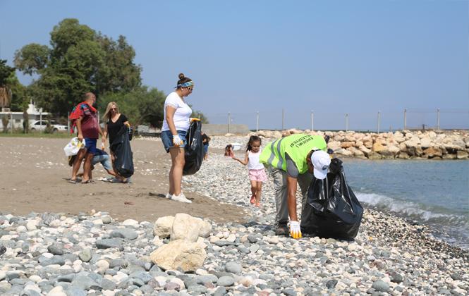 Erdemli Belediyesi'nden Dünya Temizlik Günü Projesi