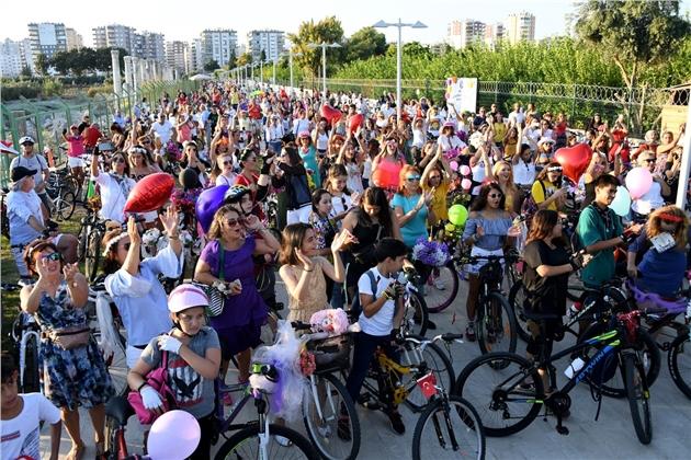 Mersin'de Caddeler Bisikletlendi